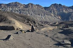 Paisaje negro Death Valley del desierto de las montañas Imágenes de archivo libres de regalías