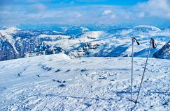 Paisaje Nevado del macizo con los polos, Salzkammergut, Austria de Dachstein fotos de archivo
