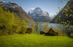 Paisaje noruego en primavera Fotos de archivo