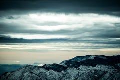 Paisaje nublado de la montaña Imagen de archivo libre de regalías