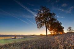 Paisaje otoñal hermoso de la puesta del sol Fotos de archivo