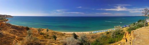 Paisaje panorámico de la costa crimea imagen de archivo