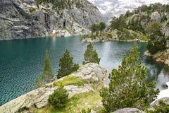 Paisaje pintoresco de la naturaleza con el lago Foto de archivo libre de regalías