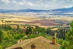 Paisaje pintoresco de Toscana de las paredes de la ciudad antigua italiana Pienza Imágenes de archivo libres de regalías