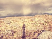 Paisaje pintoresco del mar de Noruega, aerialview del pico de montaña Fotos de archivo libres de regalías