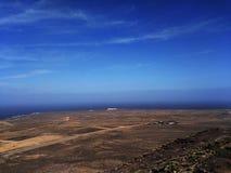 Paisaje que sorprende de Lanzarote y de sus pueblos, islas Canarias, España foto de archivo libre de regalías