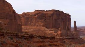 Paisaje que sorprende en el parque nacional de los arcos en Utah metrajes