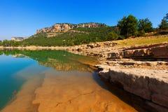 Paisaje rocoso con el depósito Serrania de Cuenca Imagen de archivo libre de regalías