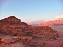 Paisaje rocoso del desierto en Jordania, Oriente Medio Imagen de archivo libre de regalías