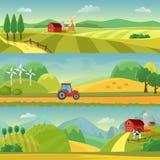 Paisaje rural con los campos y las colinas y con una granja Cultivo de la agricultura y del negocio agrícola Plantillas rurales d libre illustration