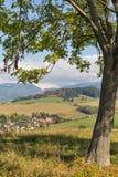 Paisaje rural de las colinas del verano en Eslovaquia Imágenes de archivo libres de regalías