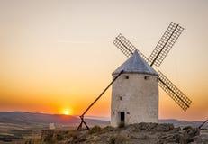 Paisaje rural del molino de viento foto de archivo libre de regalías