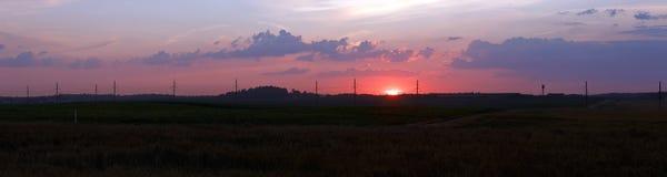 Paisaje rural en la puesta del sol foto de archivo