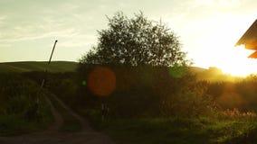 Paisaje rural escénico en puesta del sol en Altai, Rusia almacen de metraje de vídeo