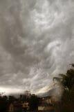 Paisaje salvaje la India de las nubes y de la montaña de tormenta Fotografía de archivo
