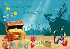Paisaje subacuático con un cofre del tesoro abierto del pirata Foto de archivo libre de regalías