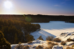 Paisaje sueco en invierno foto de archivo