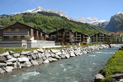 Paisaje suizo de las montan@as Foto de archivo