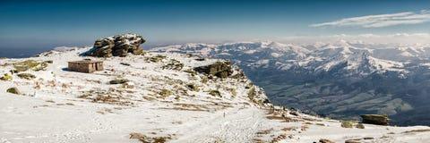 Paisaje superior de la nieve de la montaña Fotos de archivo libres de regalías