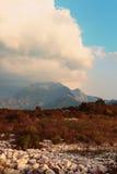 Paisaje típico de la pieza de la tierra baja de Montenegro Foto de archivo libre de regalías
