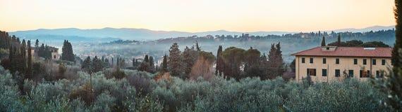 Paisaje típico de Toscana Fotos de archivo