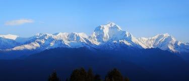 Paisaje temprano de Himalaya de la primavera foto de archivo libre de regalías