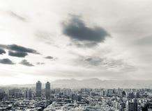 Paisaje urbano blanco y negro Fotos de archivo libres de regalías