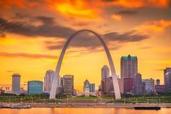Paisaje urbano céntrico de St. Louis, Missouri, los E.E.U.U. fotografía de archivo