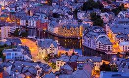 Paisaje urbano de Alesund - Noruega Foto de archivo