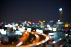 Paisaje urbano de Bangkok en el tiempo crepuscular, bokeh borroso de la foto Imagenes de archivo