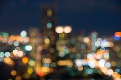 Paisaje urbano de Bangkok en el tiempo crepuscular, bokeh borroso de la foto Fotos de archivo libres de regalías
