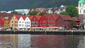 Paisaje urbano de Bryggen en Bergen, Noruega metrajes