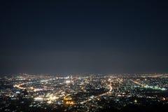Paisaje urbano de Chiang Mai por la tarde con el cielo azul claro imagen de archivo libre de regalías