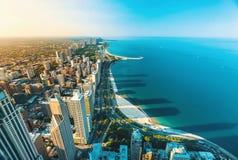 Paisaje urbano de Chicago con vistas al lago Michigan imagen de archivo