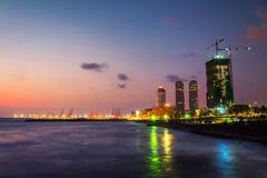 Paisaje urbano de Colombo, Sri Lanka en la noche Fotos de archivo libres de regalías