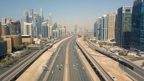 Paisaje urbano de Dubai, United Arab Emirates almacen de video