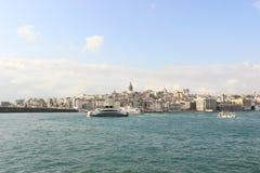 Paisaje urbano de Estambul y torre de Galata Foto de archivo libre de regalías