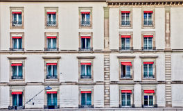 Paisaje urbano de Ginebra - fila de viejo Windows imágenes de archivo libres de regalías