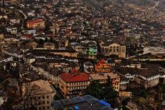 Paisaje urbano de Gjirokaster, Albania Imágenes de archivo libres de regalías
