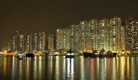 Paisaje urbano de Hong-Kong en la noche. Fotografía de archivo libre de regalías