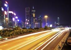 Paisaje urbano de Hong-Kong en la noche. imagen de archivo libre de regalías