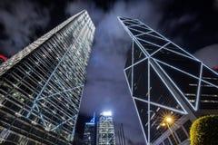 Paisaje urbano de Hong-Kong en la noche Fotos de archivo libres de regalías