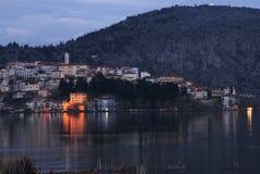 Paisaje urbano de Kastoria, Grecia Imagen de archivo