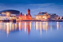 Paisaje urbano de la bahía de Cardiff fotos de archivo