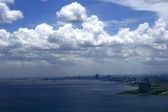 Paisaje urbano de la bahía de Manila imagen de archivo