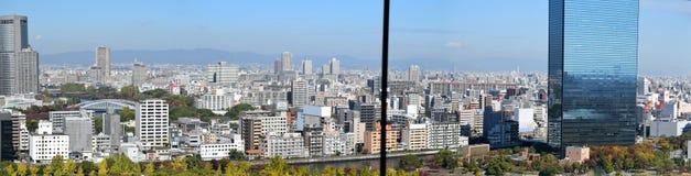 Paisaje urbano de la ciudad de Osaka visto de Osaka Castle Foto de archivo