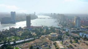 Paisaje urbano de la isla de Gezira en El Cairo, Egipto almacen de metraje de vídeo
