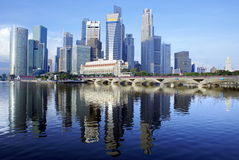 Paisaje urbano de la línea de costa de Singapur Fotografía de archivo libre de regalías
