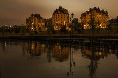 Paisaje urbano de la noche Foto de archivo libre de regalías