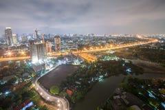 Paisaje urbano de la noche de Bangkok Imagen de archivo libre de regalías